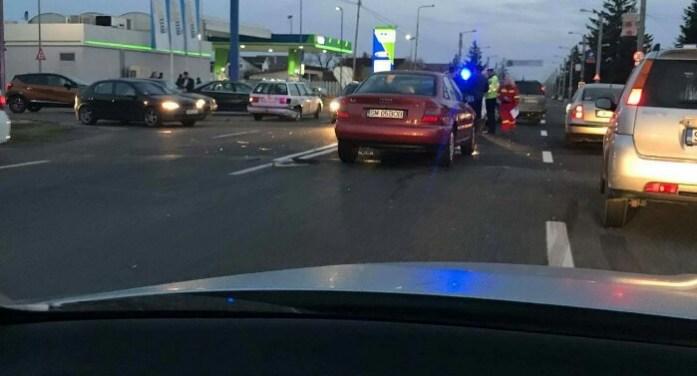 Accident cu două victime și patru mașini făcute praf (Foto)