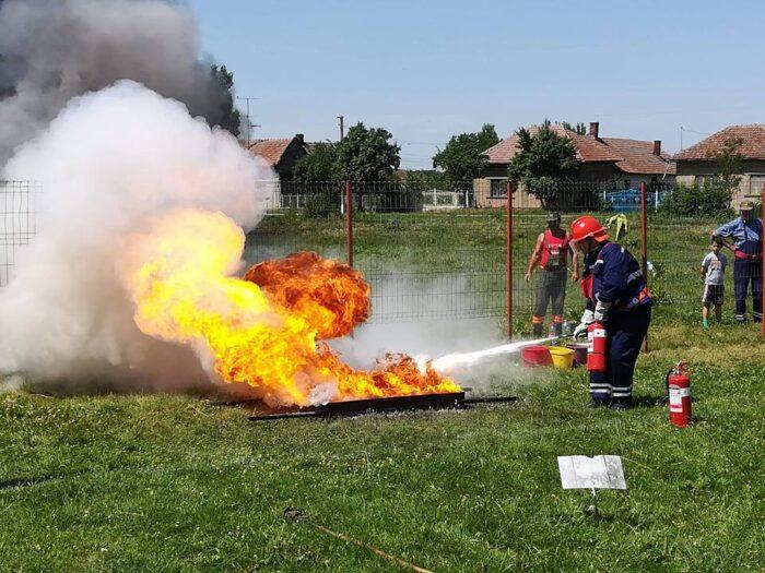 Au inceput concursurile pentru pompierii voluntari (Foto)