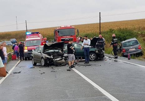 Accident cu opt persoane implicate. Drumul spre Oradea, blocat