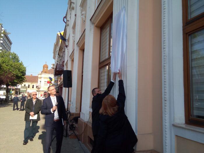 Dezvelire de placă comemorativă pe clădirea Parchetului Satu Mare (Foto)