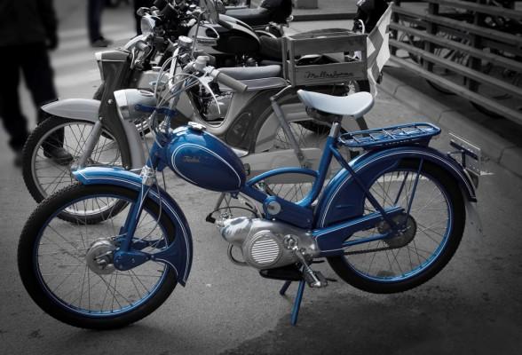 sininen mopo