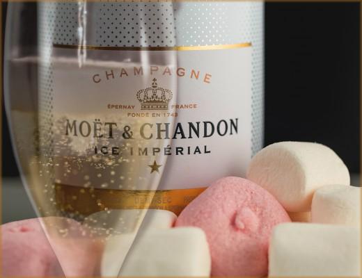 Vaahtokarkkeja ja samppanjaa - Candy