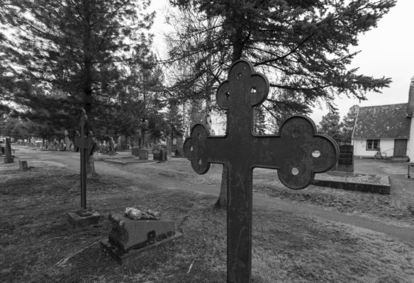 Hiljainen kaupunki - Tornion hautausmaalla_-3
