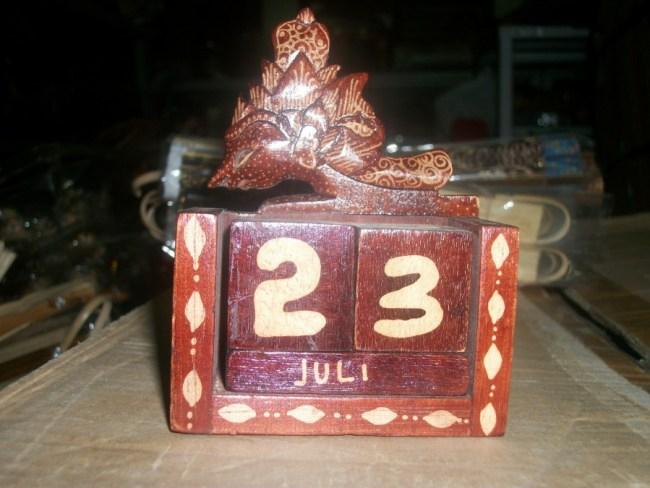 Souvenir Pernikahan Kalender Abadi