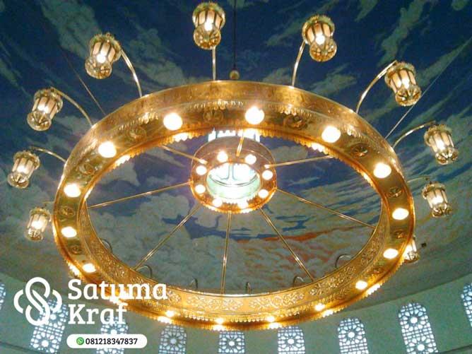 replikas lampu masjid nabawi dari kuningan