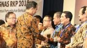 Kota Palu Terima Penghargaan Kategori Perencanaan dan Pencapaian Terbaik Tingkat Kota