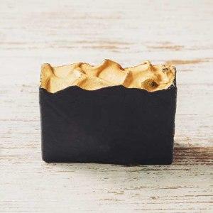 סבון טבעי פחם לטיפול באקנה