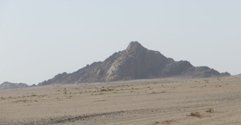 جبال أم رقيبة umm-ruqaybah-mountains