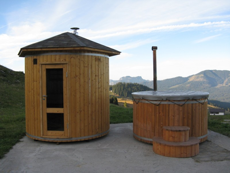 Barrel Saunas   Wood Fired Hot Tubs   Wooden Hot Tubs and Barrel Saunas Barrel Saunas   Wood Fired Hot Tubs  Beautiful