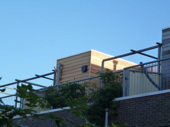 De sauna staat te pronken met mooi weer