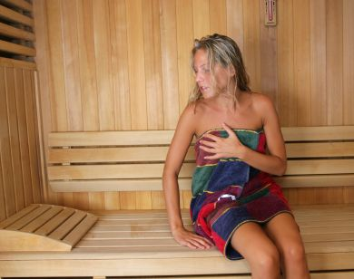 girl sauna no tan lines