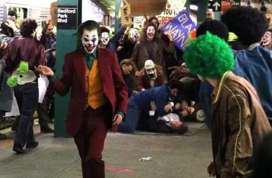 Joaquin Phoenix as the Joker rallying against Thomas Wayne | Sausage Roll