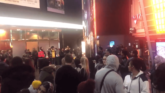 14-year-old boy attacks police at Frozen 2 screening