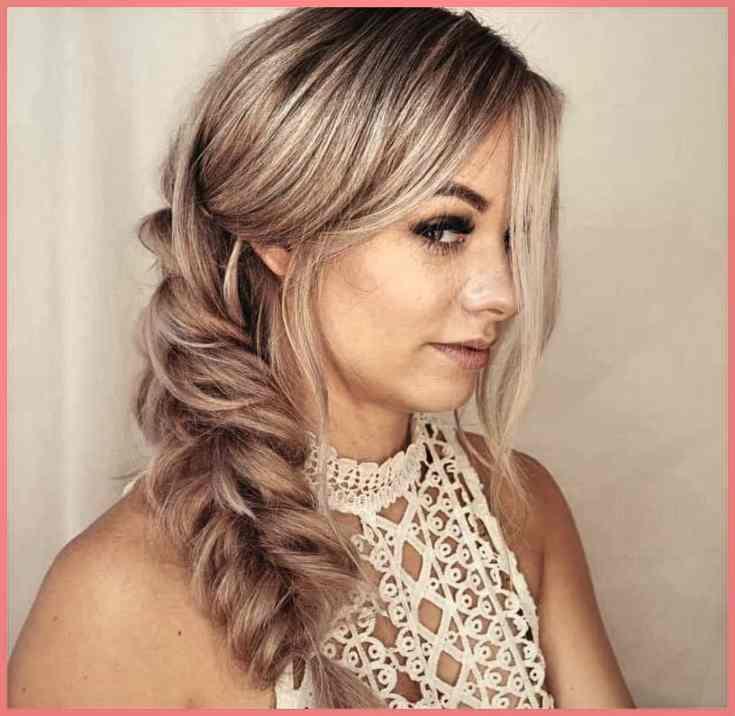 Voluminöser Fischschwanz Haare Stylen Frauen Mittellang