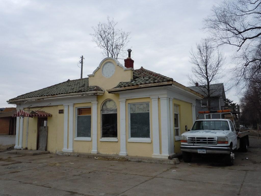 Demolition Looms for Mount Vernon Road Service Station