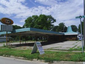 The Cedar Rapids City Council voted this week to demolish the former Ellis Boulevard A&W, 1132 Ellis Blvd. NW, despite attempts to save the landmark building. (photo/Cindy Hadish)