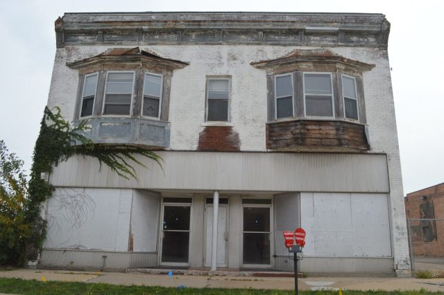 Final Hour: Cedar Rapids walking tour offers last glimpse of history as demolitions loom