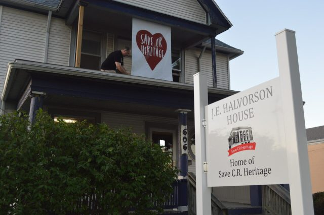 Donors and volunteers thanked as Save CR Heritage dedicates early-1900s J.E. Halvorson House