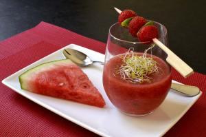cuisiner la pastèque en soupe froide de pastèque -Save Eat