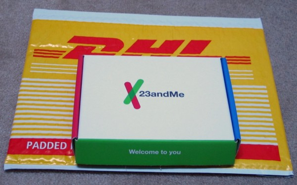 23andMe-DHL-Canada-DNA-Sample-Box