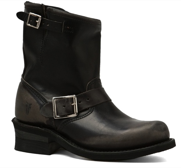 Frye-8R-Engineer-Charcoal-Boots_Side-5