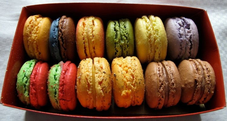 La-Maison-du-Macaron-Macarons-Box
