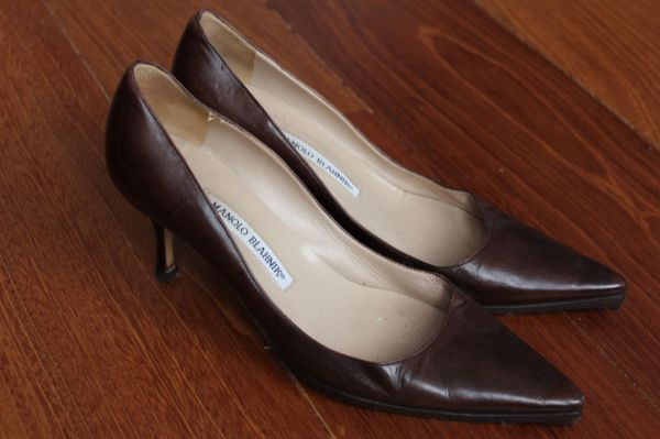 Manolo-Blahnik-Light-Brown-Short-Heels-Side-3