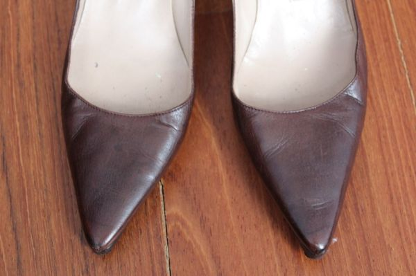 Manolo-Blahnik-Light-Brown-Short-Heels-Toe-2