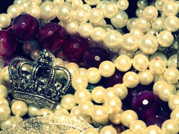 Photograph-Jewellery-Pearls-Rich-Money-Jewels-5