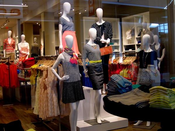 Photograph-Shopping-Clothes-Closet-Wardrobe-2