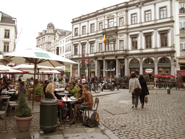 Photograph-Vienna-Brussels-Cafe-Streets-Friends-Shopping