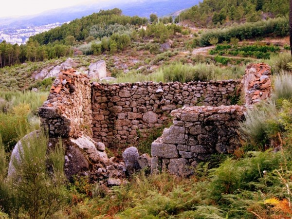 Portugal-Countryside-Stone-Home-Travel-Photograph-Europe-Rural
