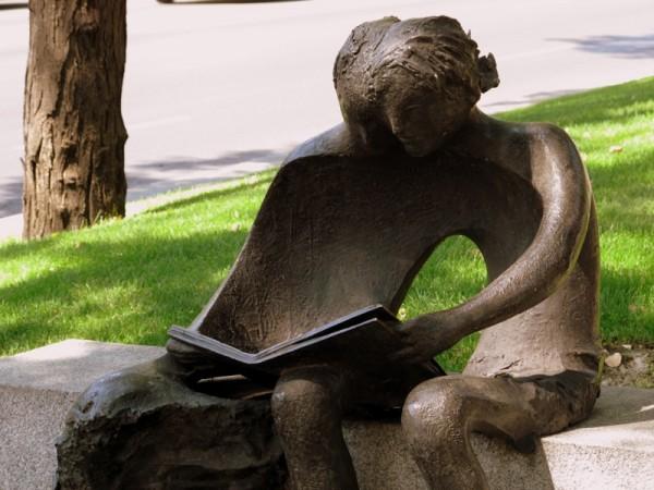 Secret-Garden-Reading