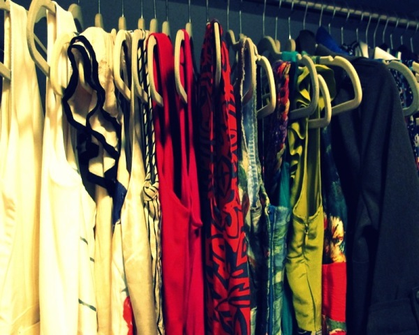 Wardrobe-Closet-Mochimac-Clothes-Dresses-4