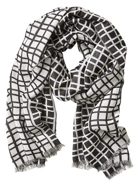 banana-republic-hannah-windowpane-black-and-white-scarf