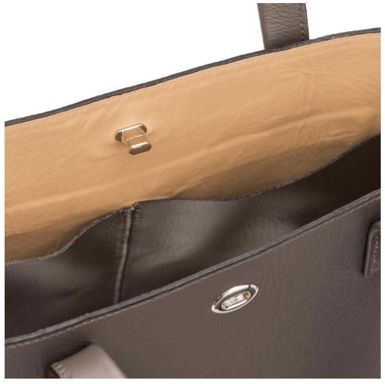 https://www.m0851.com/store/m0_cad_fr/products/sh65-large-shopping-bag-turn-lock-clay/?q=vesper