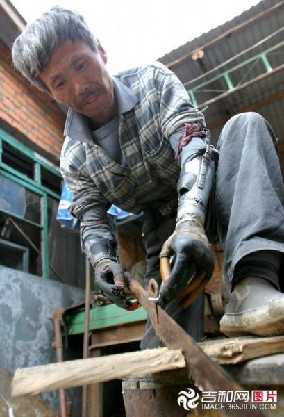 prosthetic-hands-china-edward-scissorhands