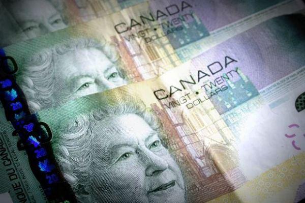 stock_canada-bills-money-cash-20-3