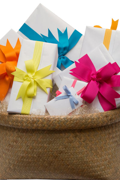 Color Theme Gift Baskets & 119 Gift Basket Themes That Rock! - Earning and Saving with Sarah