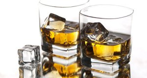 Zašto ljudi piju alkohol?