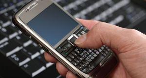 Česta upotreba mobitela uzrokuje tumor mozga