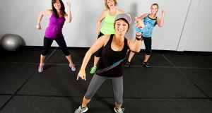 žene na vježbanju
