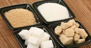 smeđi i bijeli šećer