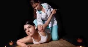 Thai masaža, tradicionalna metoda koja pomaže