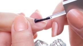 Prozirni lak za nokte