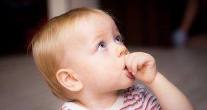 Prvi zubić kod beba