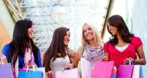 djevojke u shoppingu