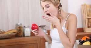 jabuka u ruci