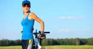 žena i bicikl
