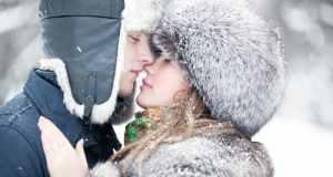 par na snijegu
